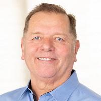 An image of loan advisor Kenneth Dean